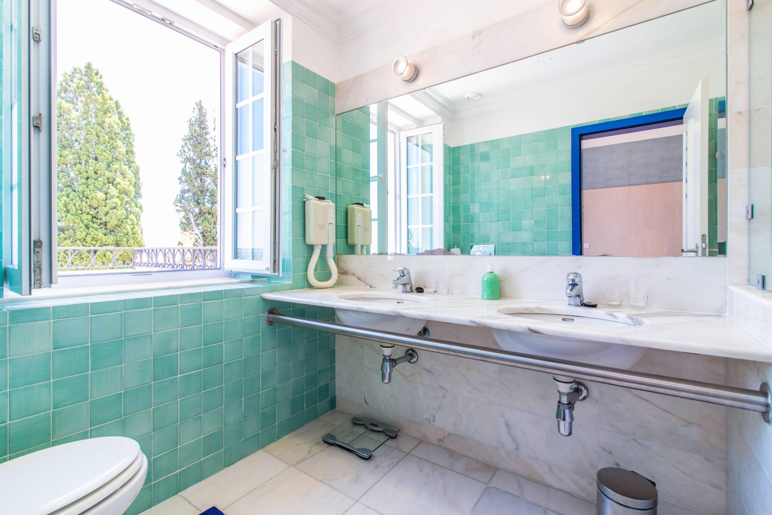 Hotel Lousal quarto duplo wc